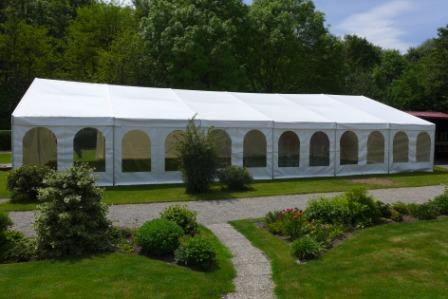 Ein großes Zelt (Ausführung L) von Zeltvermietung hareis