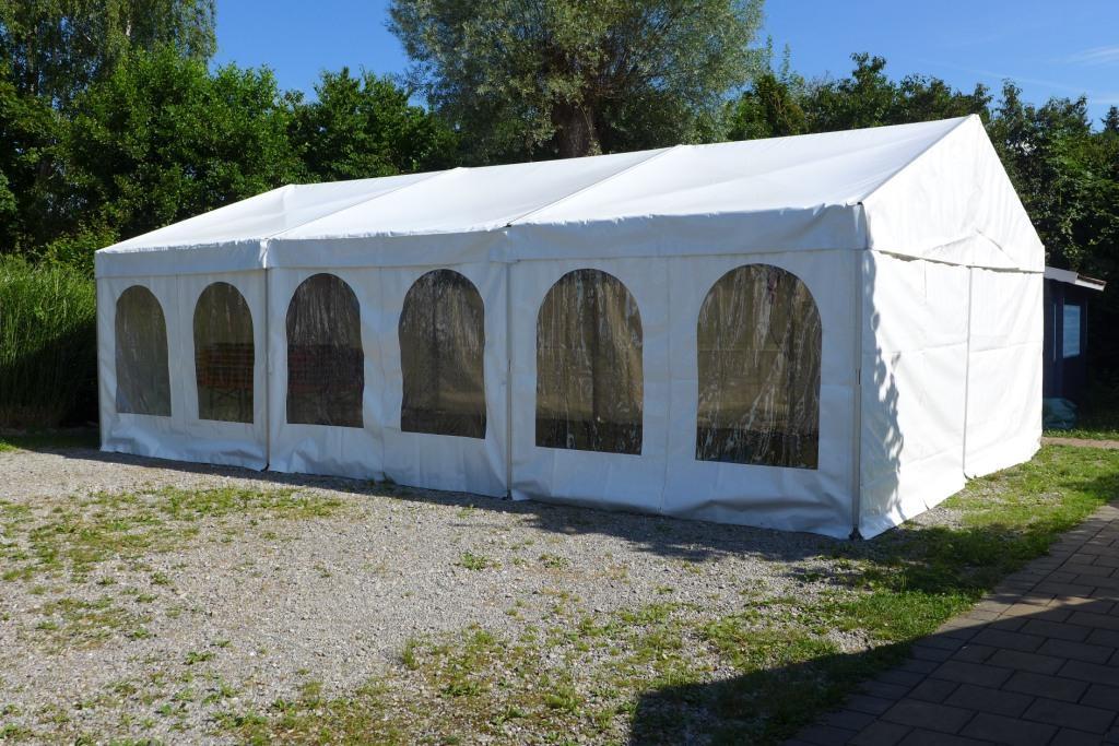 Ein mittleres Zelt (Ausführung M) von Zeltvermietung hareis